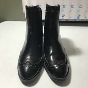 New Zara woman Black Wingtip Ankle boot size 6